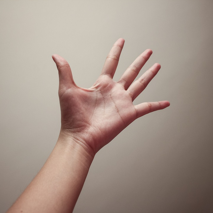 hand-357340_960_720